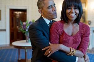 Amerikan başkanı Obama DJ oldu ve Eşi ile back to back DJ performansı için gün sayıyor.