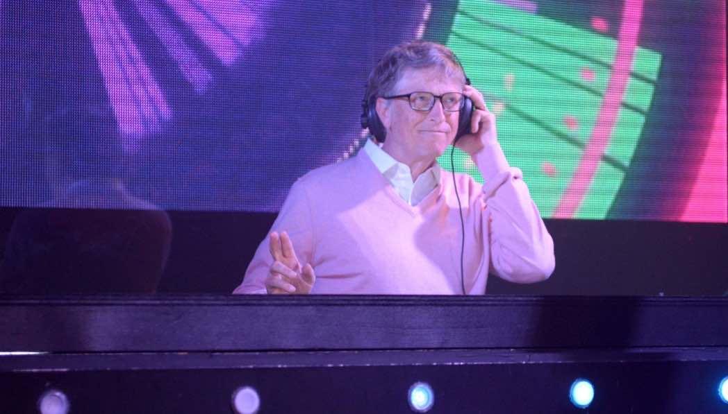 Bill Gates ve Eşi DJ oldu !