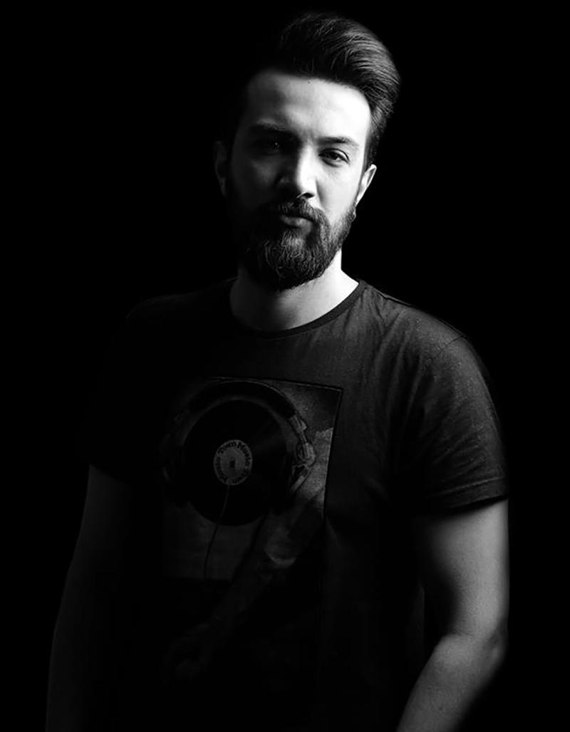 Milli yüzücü DJ Arman Berçin'e basının yoğun ilgisi !