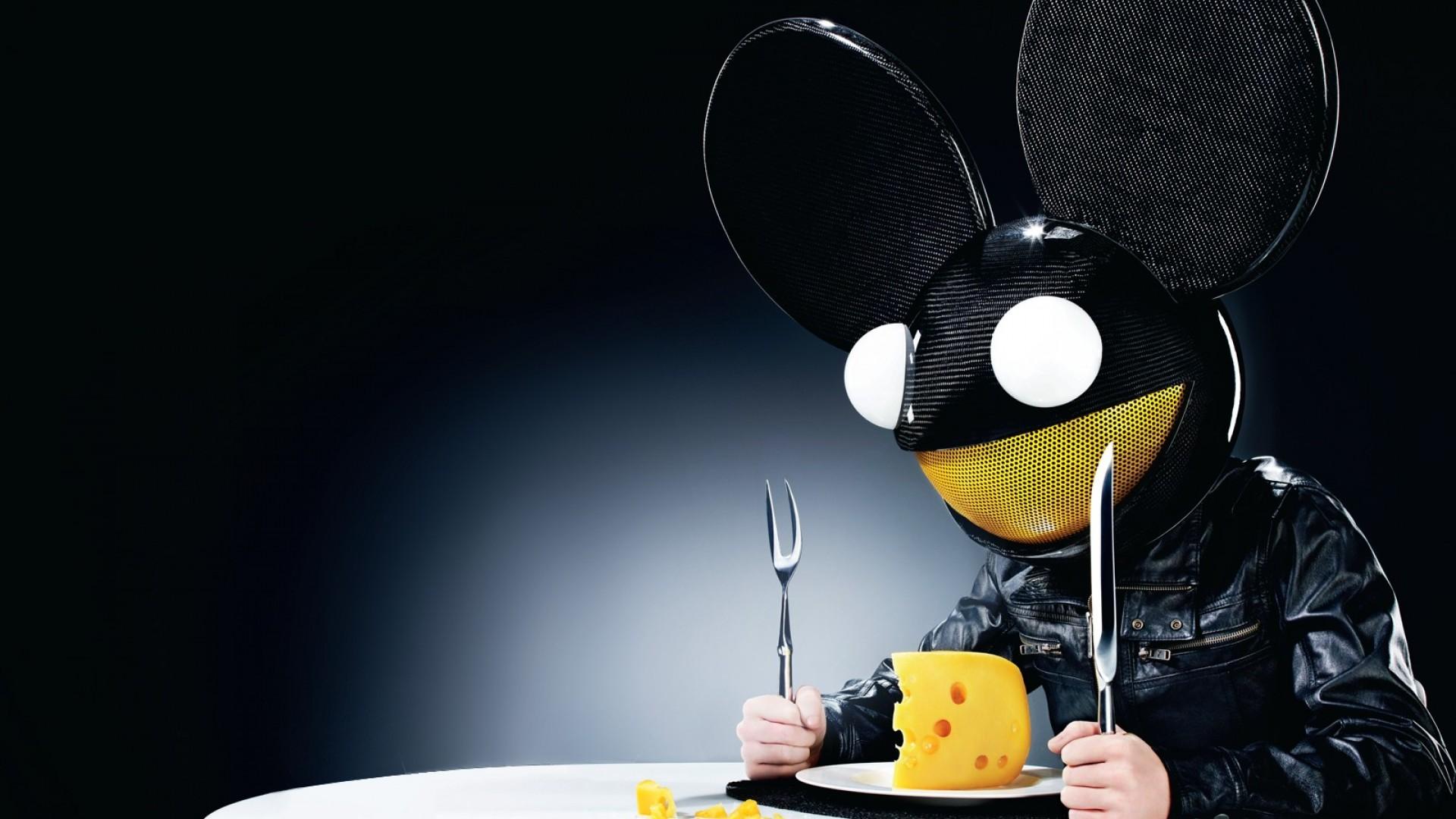 Deadmau5 DJ konseri için Cube hazırladı !